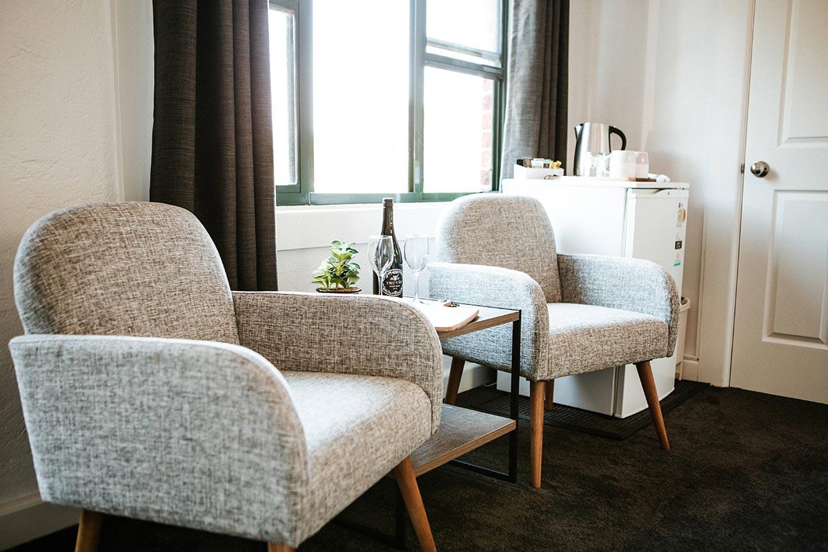 motel-accommodation-berry-nsw-premium-queen-room