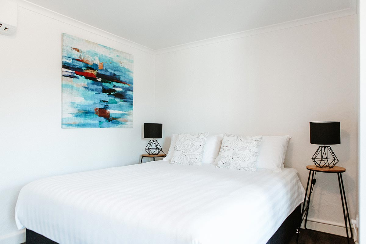motel-accommodation-berry-south-coast-nsw-premium-queen-room